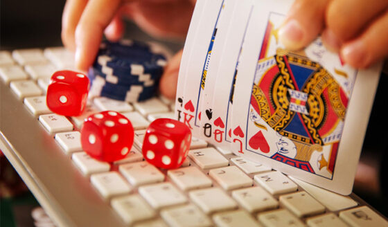 Benefits of Playing on 24hour Online Gambling Sites